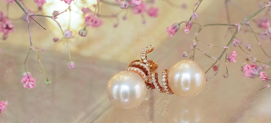 Perlenschmuck aus Gold - Perlenohrringe aus Rotgold mit Brillanten