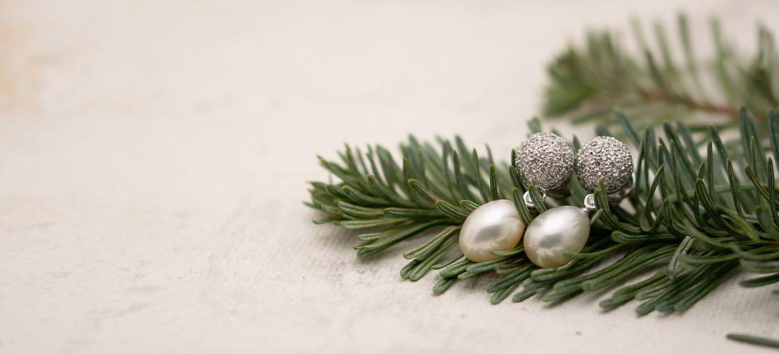 Perlenohrhänger als Weihnachtsgeschenk